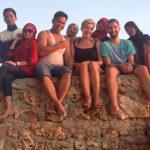 Ein Selfie mit den Einheimischen am Strand in Bira