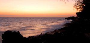 Sonnenuntergang in der Brandung